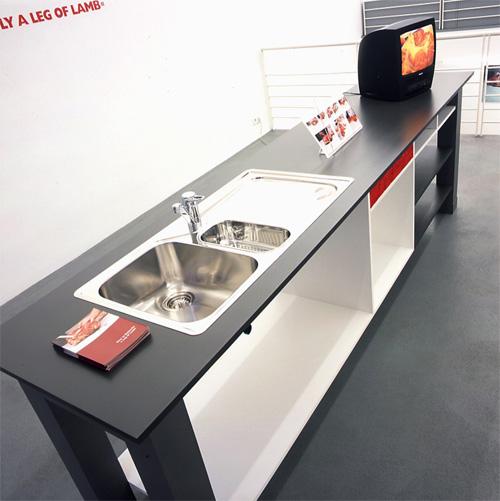 Installation View II, Galerie Bugdahn und Kaimer, Düsseldorf, 2001